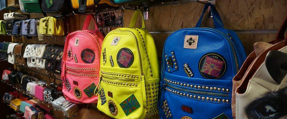 Batohy nahrazující kabelky
